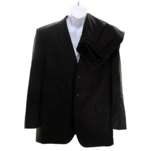JOS A BANK Men's 36R Wool Pleated 2 Piece Suit